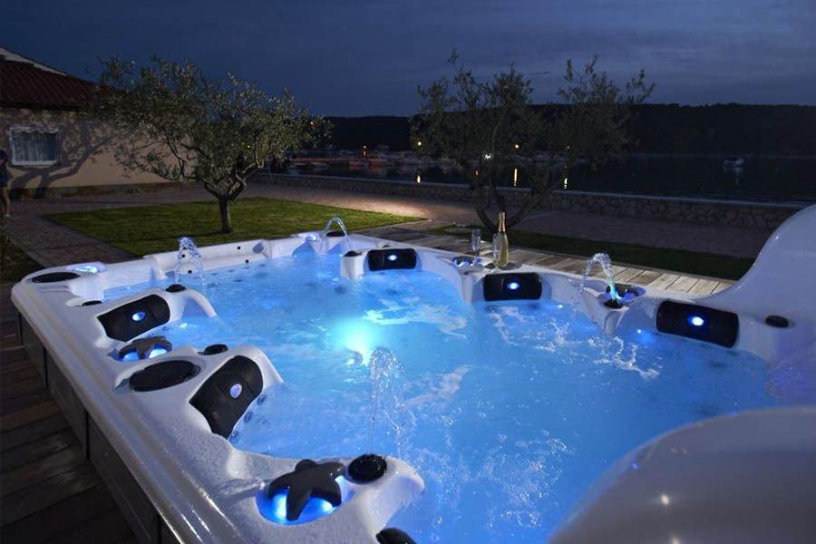 swim-spa-hot-tub-bl859-3.jpg