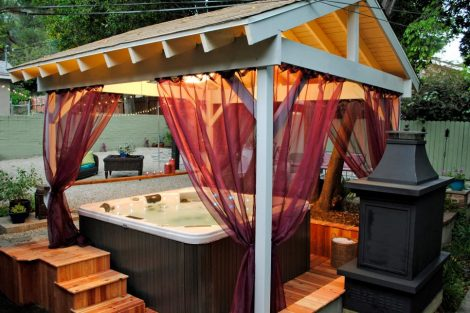 hot tub enclosue with privacy screen